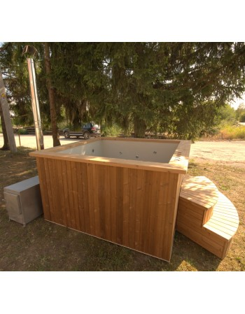 Deluxe hot tub, 180x180 cm, square shape with thermowood trim