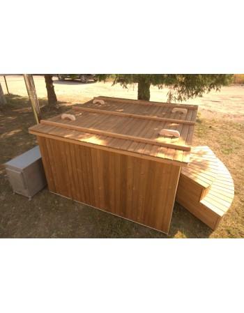 Square shape hot tub