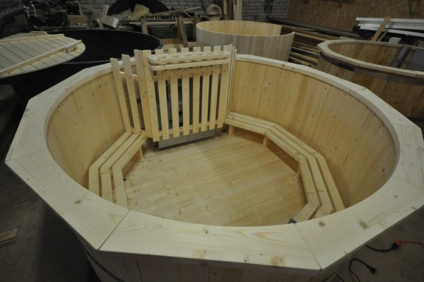 spruce wood hot tub