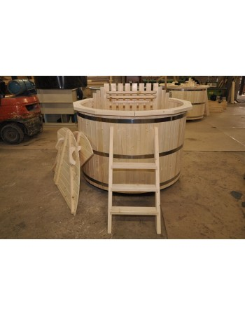 wooden spruce hot tub