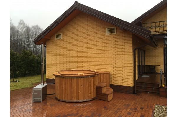 Black fibreglass hot tub 2 m with thermowood trim