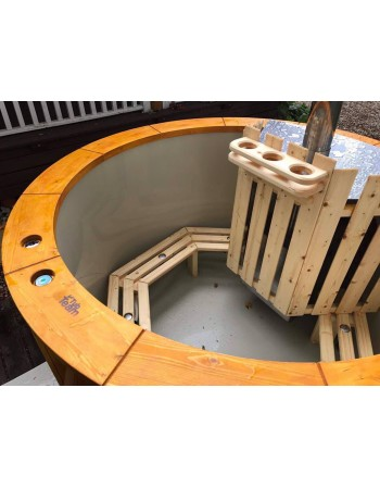 benches of hot tub