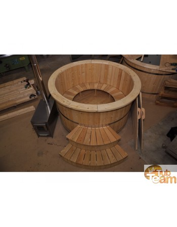 Individual model Larch wooden hot tub 150cm