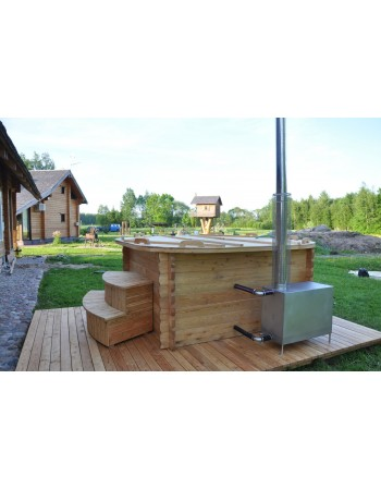 Square shape plastic hot tub with larch trim