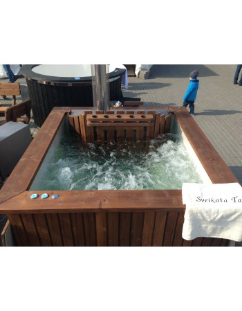 Air bubbles massage in hot tub